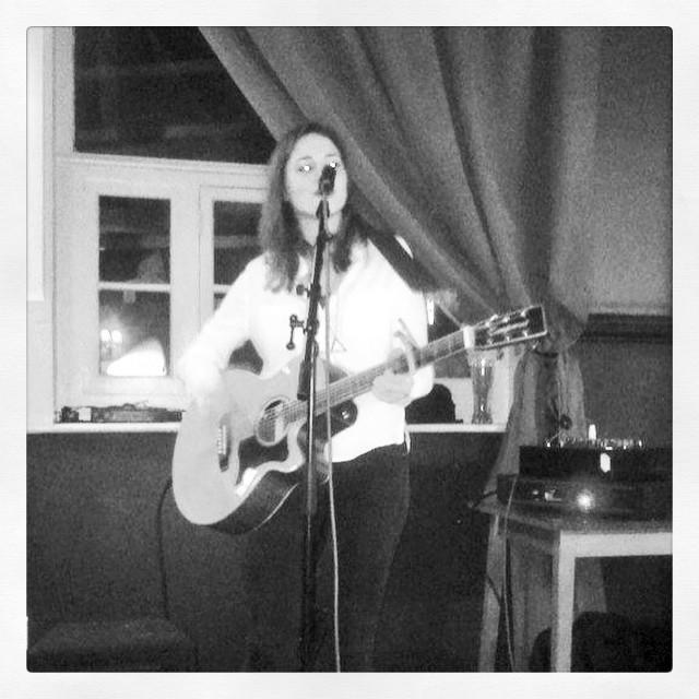 Love music tonight at the Stapleton - this #acoustic set is just brilliant. #anticlondon #livemusic #stroudgreen #pub #bar